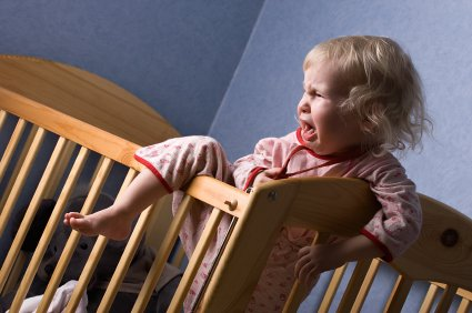 When Should You Transition Your Child From a Crib to a Bed?