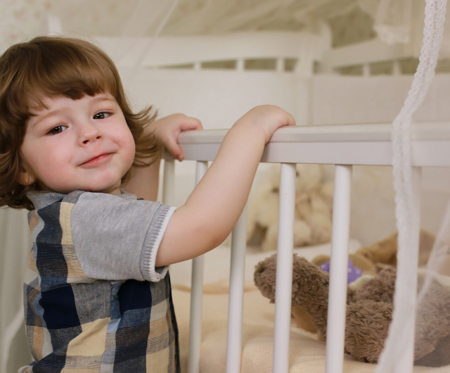 SEASON 1 EPISODE 10 – When and how to transition your little one from a crib to a bed